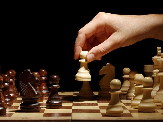 Чемпионку мира по шахматам из Ирана исключили из сборной за отказ от хиджаба