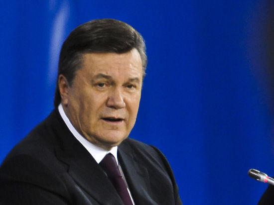 Попросивший Путина ввести войска на Украину Янукович теперь все отрицает