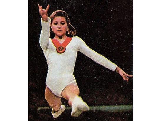 Легенда советской гимнастики Корбут продала в США свои олимпийские медали