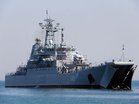 Командующий ВМС Украины: русские разбирают корабли в Крыму на запчасти