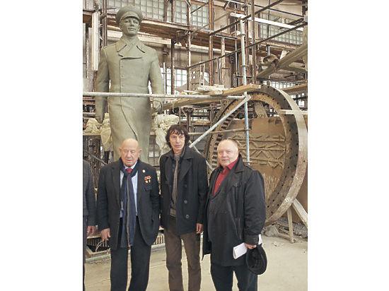 Памятник Гагарину в Брянске собрались арестовать за долги