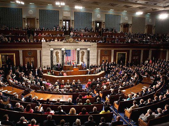 """Демократы в конгрессе обвинили Трампа в игнорировании """"российской угрозы"""""""