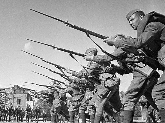 «Московский комсомолец» объявляет конкурс в честь  Дня Победы
