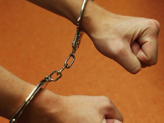 Подростковая ревность: юноша заказал убийство соперника за 50 тысяч рублей