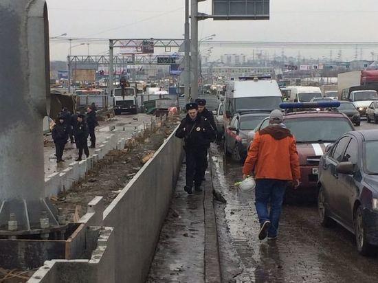 Тело 2-го погибшего отыскали после разбора 80% завалов наКалужском шоссе