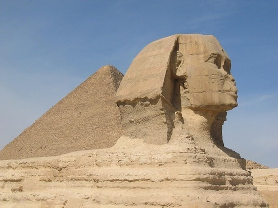 Опубликованы красивые снимки Мертвого моря и египетских пирамид из космоса