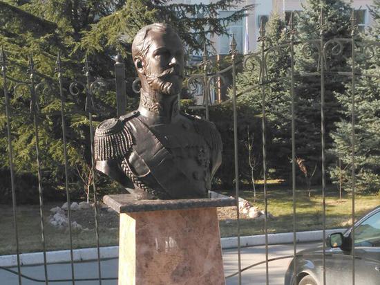 Крымская епархия не нашла признаков мироточения бюста Николая II