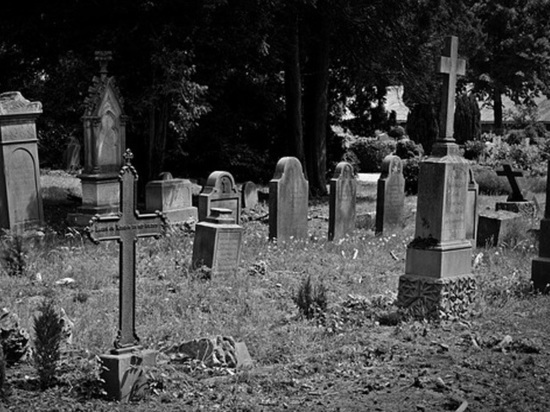 За «слив» информации похоронным агентам о покойниках оштрафуют на 200 000