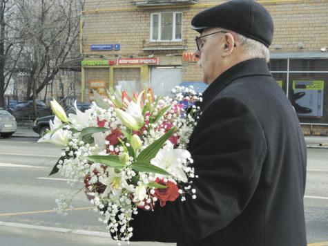 Откровения продавцов: куда они пристраивают не проданные 8 марта цветы