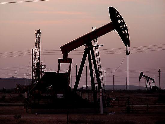 Цена на нефть побила антирекорд декабря из-за заявлений Минэнерго США
