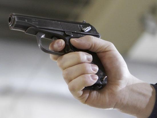 В Красноярске на парковке торгового центра застрелили гражданина Грузии