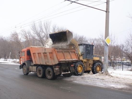 Из Оренбурга снег вывозят в неизвестном направлении