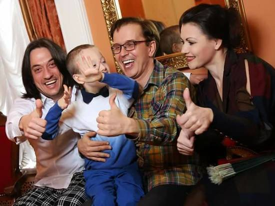 Астраханские знаменитости поддержали детей с аутизмом