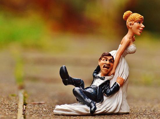 СМИ ученые выяснили в каком возрасте людям следует жениться