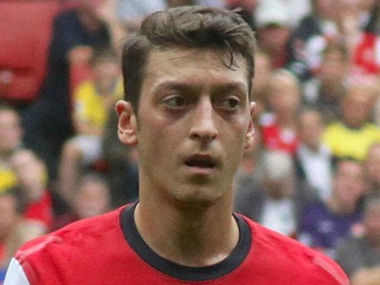 Полузащитник Озил может перейти из«Арсенала» в«Манчестер Юнайтед»