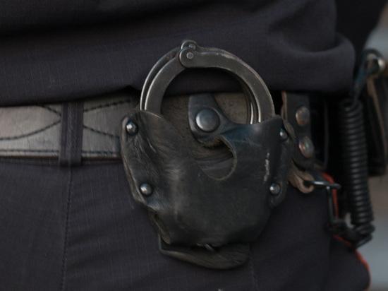 Мужчина открыл огонь из автомата возле московского стриптиз-клуба