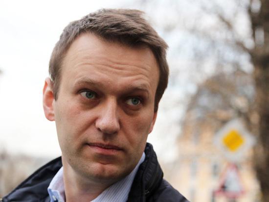 Навальный рассказал, чем должен лечиться гриппующий Медведев