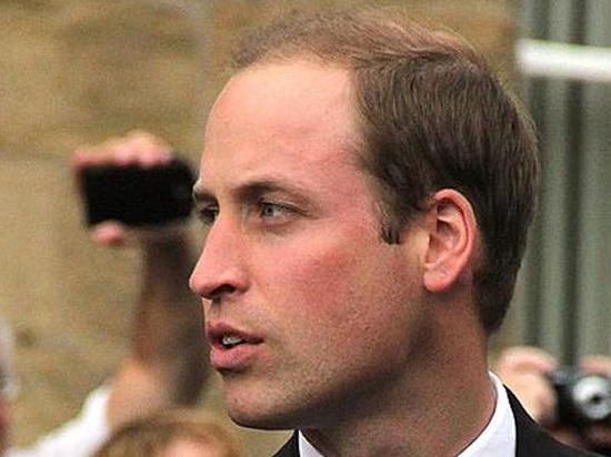 Английские  СМИ «застукали» принца Уильяма наотдыхе смоделью
