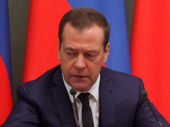 Медведева неуберегли— Путин