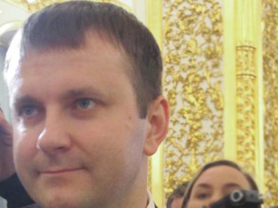 Орешкин посетовал на слишком крепкий рубль и рассказал о причинах падения нефтяных цен