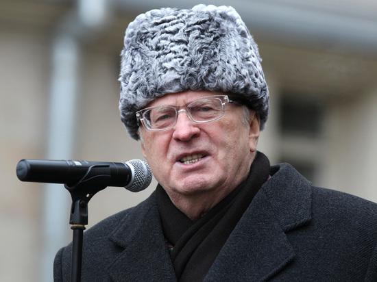 Жириновский вернулся в зал Госдумы после скандала