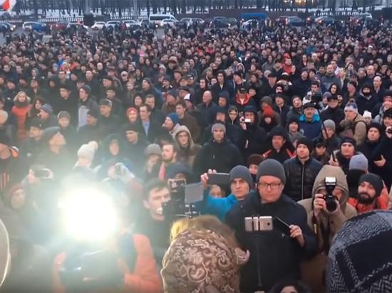 Налог на «безработных» вывел на улицы Белоруссии тысячи протестующих