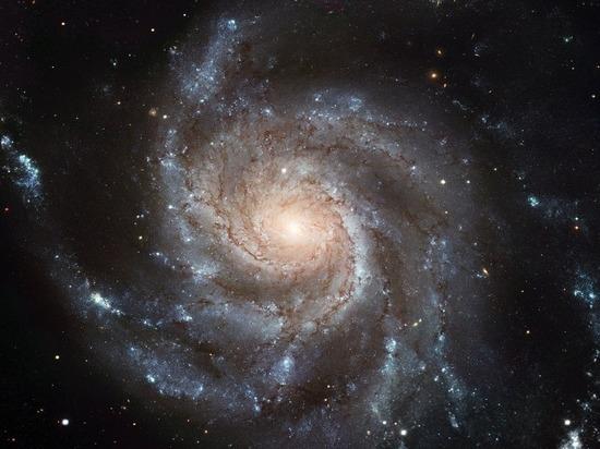 Астрофизики: в первых галактиках почти не было темной материи