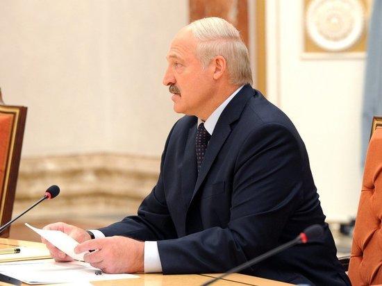 Лукашенко предложил НАТО посмотреть за военнослужащими учениями Республики Беларусь и РФ