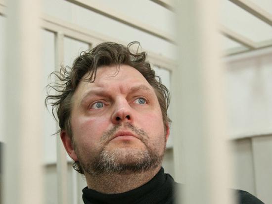 Белых обвинили во взятке 2012 года и оставили в СИЗО