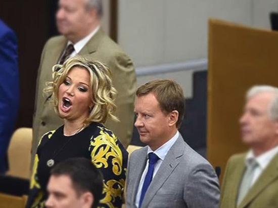 Мария Максакова сообщила, что концерт впамять оДенисе Вороненкове переносится