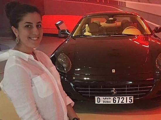 Молодых сестер из Сбербанка задержали при покупке Ferrari