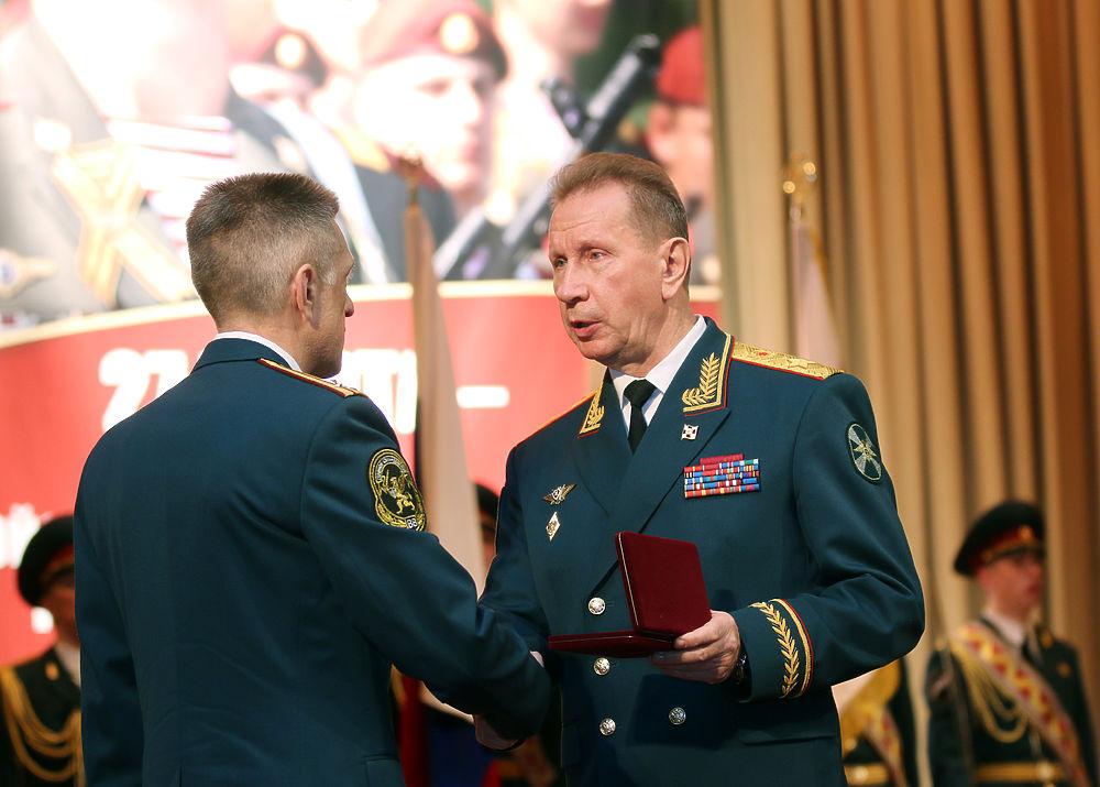 Путин вручит Росгвардии знамя вДень войск государственной гвардии