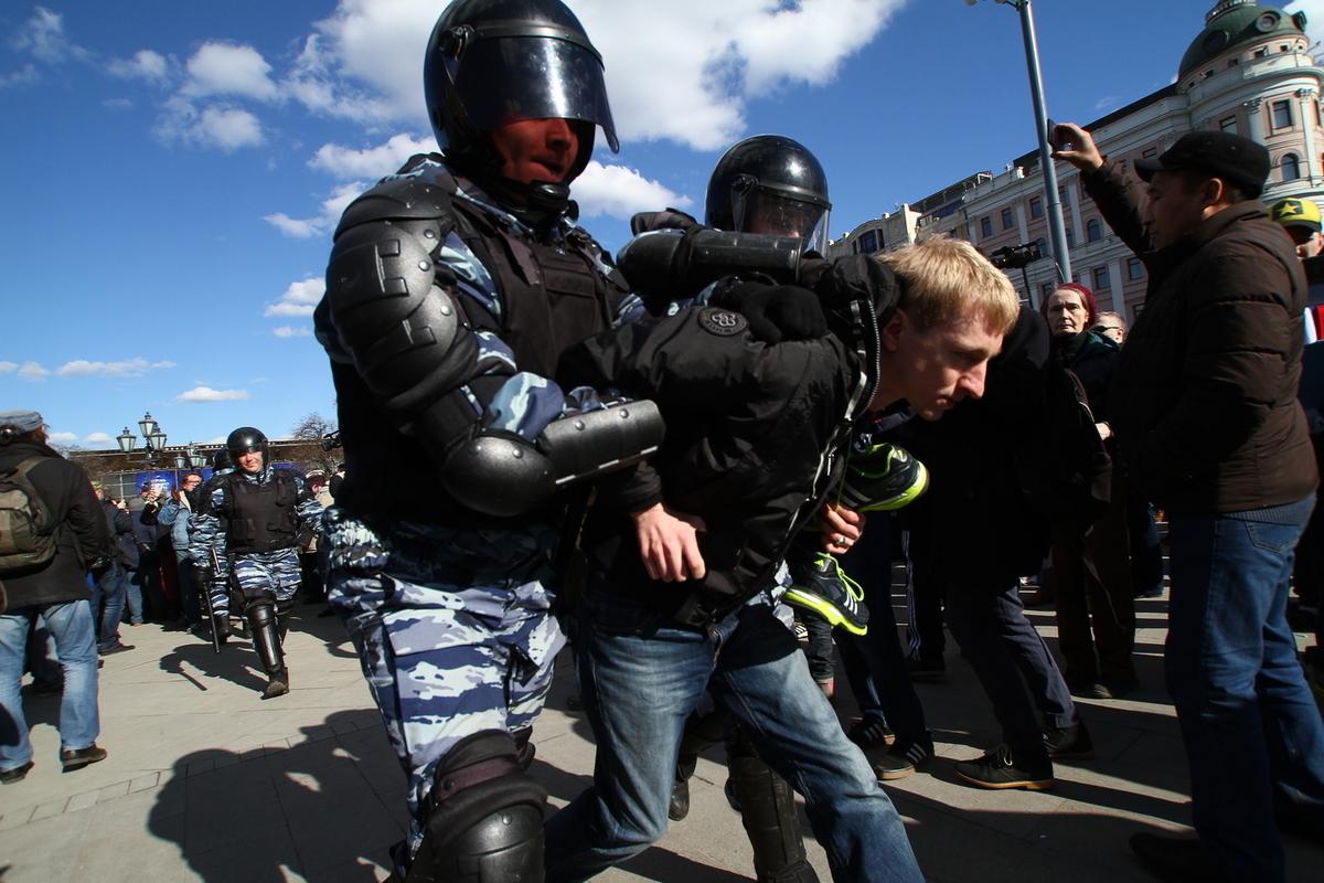 Тусовки дочери Моцпана Дочь замглавы Луганского