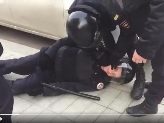 Раненый наакции в столице России полицейский был потерпевшим по«болотному делу»