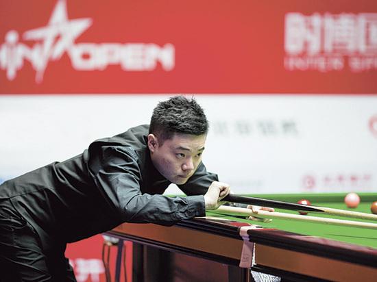 В Китае стартовал последний перед чемпионатом мира турнир по снукеру