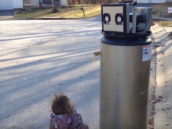 «Я люблю тебя, робот» — милая девочка и водонагреватель взорвали интернет