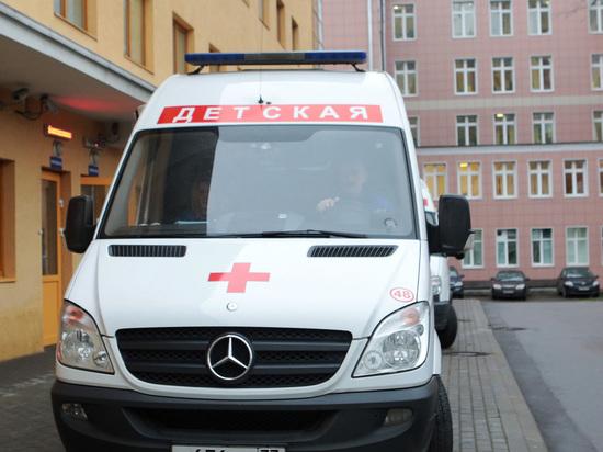 В Москве подросток упал с крыши супермаркета, играя со сверстниками