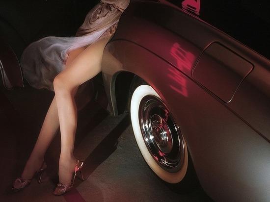 Звезды эротических фильмов назвали пять лучших автомобилей для секса