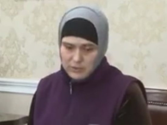 Жительница Чечни публично покаялась за«бычьи головы» силовиков