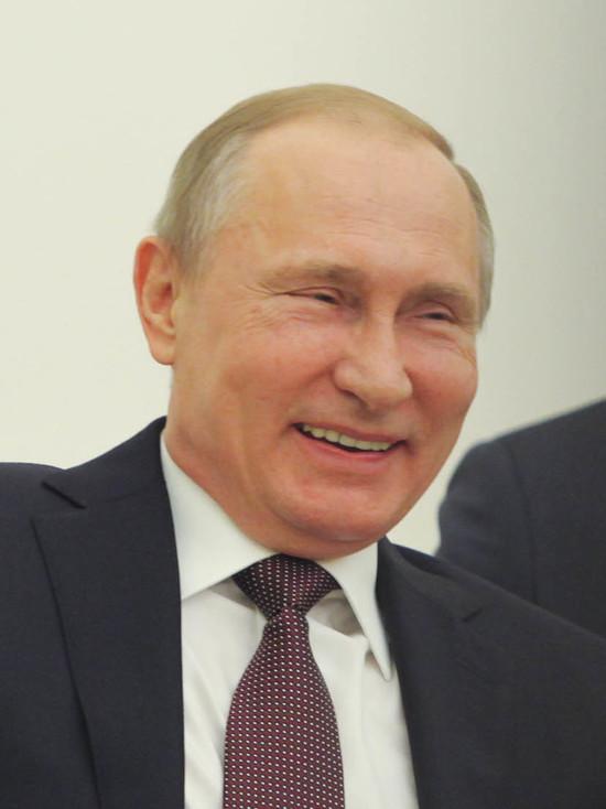 Путин в шутку предложил президенту Исландии помочь с армией