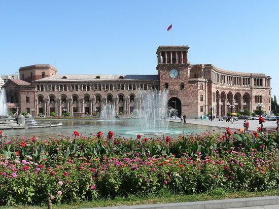 «Четвертая республика»: армянские политики сделали программные заявления накануне парламентских выборов