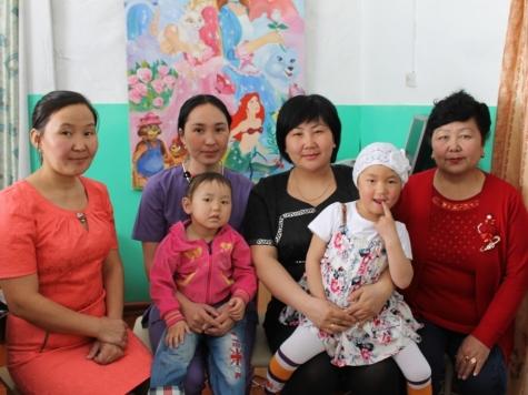 Мать пятилетней Сагланы-«героини тайги» оперативники задерживали по законам блокбастера