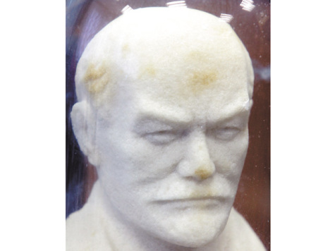 В редакции «МК» замироточил бюст Ленина