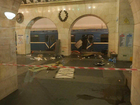 Очевидцы теракта в питерском метро: после взрыва поезд продолжал ехать