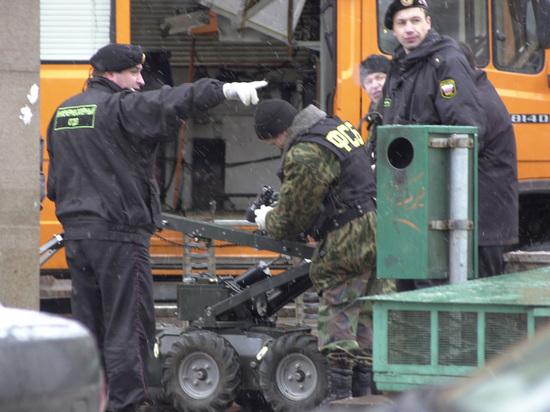 СМИ: бомба в питерском метро похожа на «адскую машинку» националистов