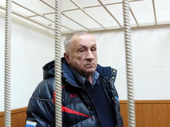 Экс-главу Удмуртии Соловьева доставили всуд под усиленной охраной