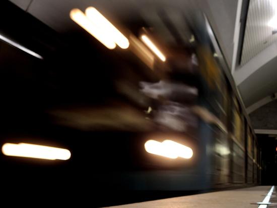 Некоторые жертвы теракта в Петербурге погибли под колесами поезда