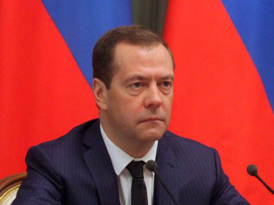 Страна ждет отставки Медведева: рейтинг премьера оказался ниже Жириновского