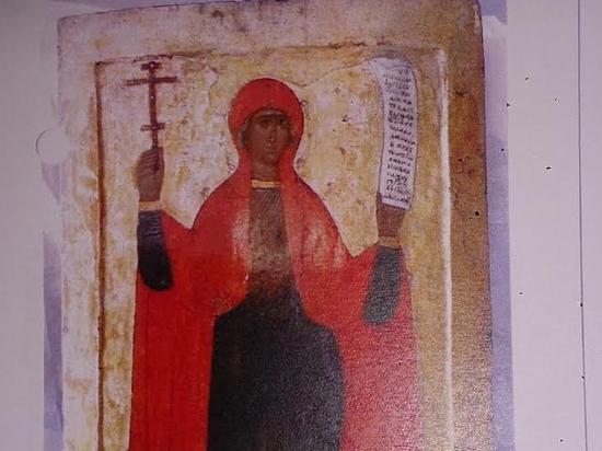 Женщина, обманом вывозившая старинные иконы из России, отправится под суд