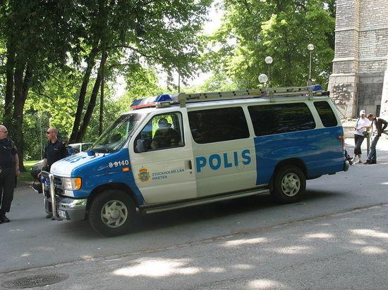 Грузовик въехал в толпу в центре Стокгольма